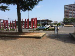神社横の駐車場