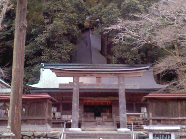 丹生川上神社本殿