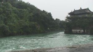 都江堰河床掘削